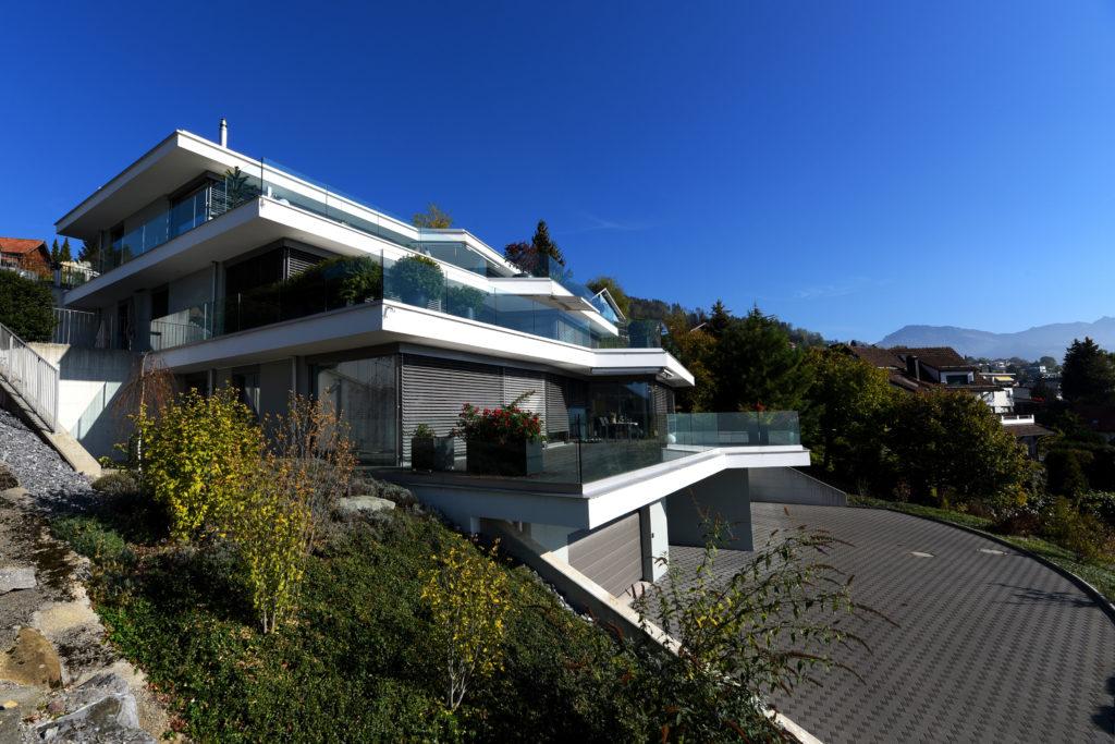 Terrassenhaus_Birkenhalde-Uetliburg-MO-Architektur-Uznach-Linthgebiet-Ostschweiz_BM_Aussen-3