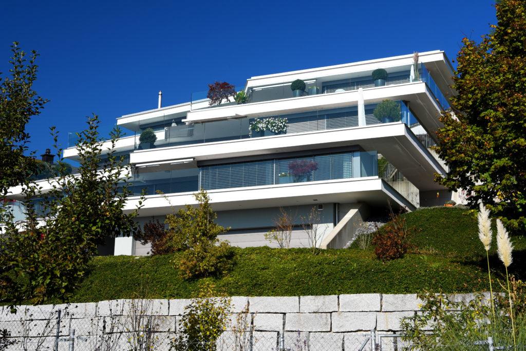 Terrassenhaus_Birkenhalde-Uetliburg-MO-Architektur-Uznach-Linthgebiet-Ostschweiz_BM_Aussen-4