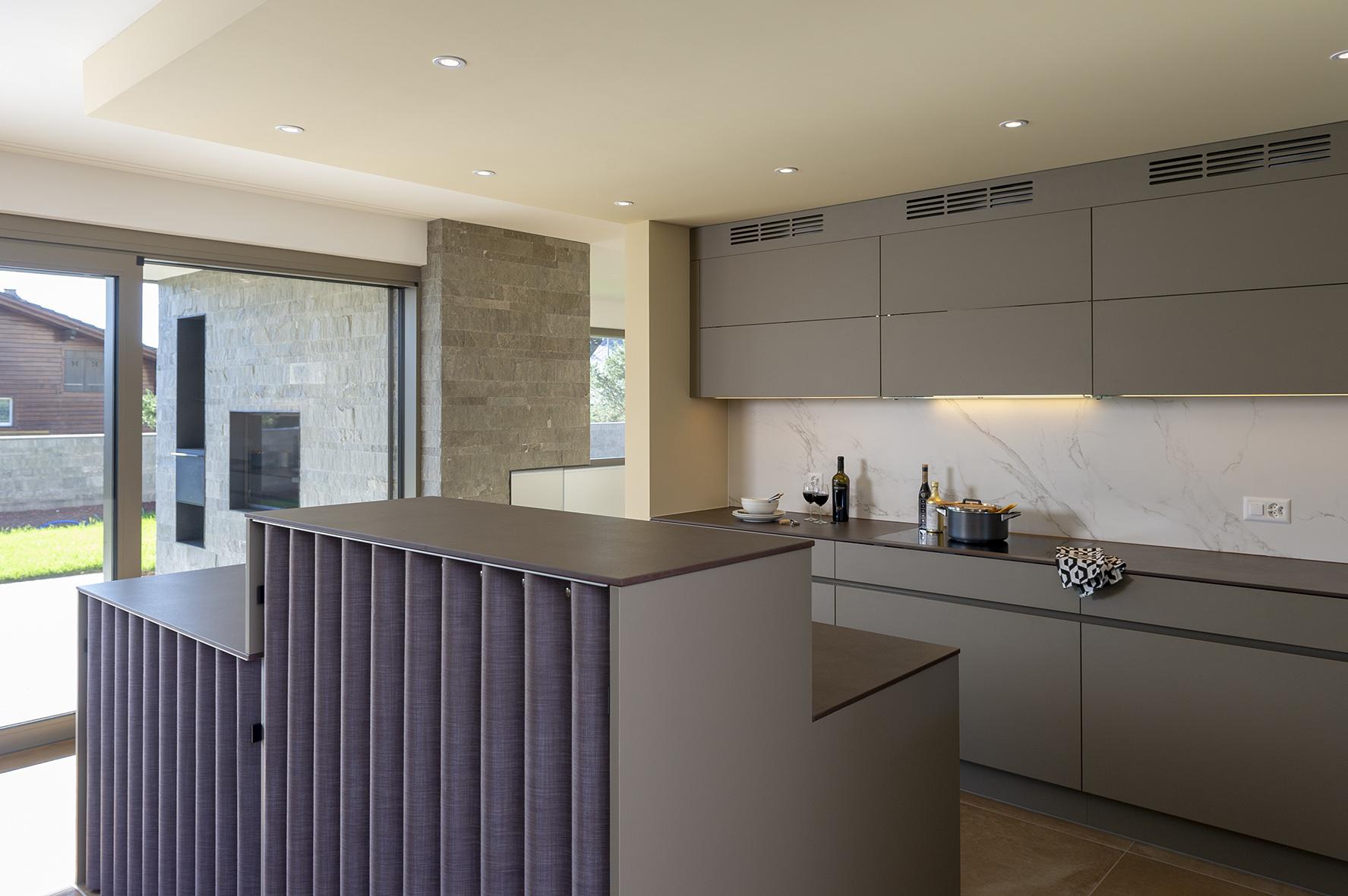 Küche mit Thut-Vorhang